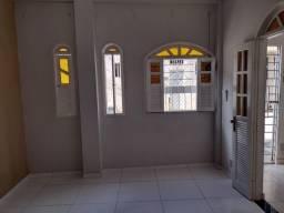 Casa para Locação em Simões Filho, Cia 1, 1 dormitório, 1 banheiro