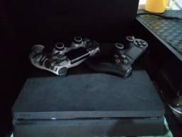 Título do anúncio: PlayStation 4 Slim 1TB 2 Controles