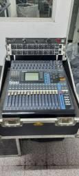 Mesa Som Digital Yamaha 01V96 32 canais