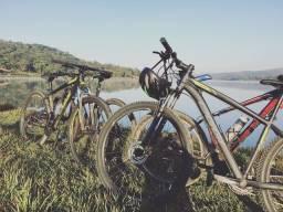 OPORTUNIDADE Bicicleta OGGI Hacker HDS aro 29/quadro  17 freio hidráulico shimano 24v