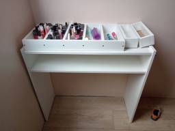 Vendo mesa de nail design e expositor de esmalte