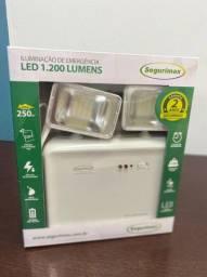 Luminária LED 1.200 Lumens