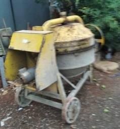 Vendo betoneira 2000
