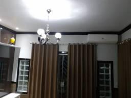 Vendo cortina com blecaute medida 2.50 altura x 3 de larguras