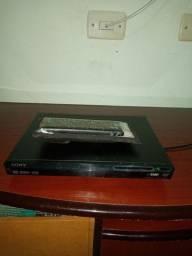 Vendo DVD Sony  bem conservado funcionando tudo certinho