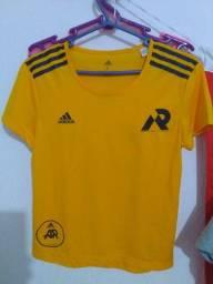 Título do anúncio: Camisa Adidas original Running