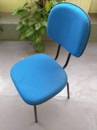 Cadeiras fixas estofadas para escritório