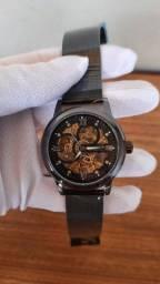 Relógio mecânico automático