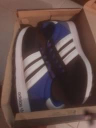 Tênis Adidas número 41