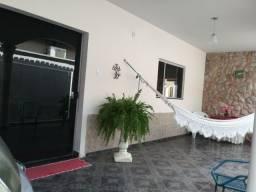 Casa de 3 quarto na AV  Senador Jaime - Goiânia