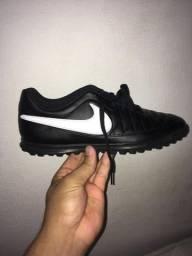Chuteira Nike ORIGINAL nunca usado