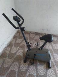 Bicicleta ergométrica Caloi CLB11 seminova