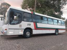 Ônibus 44 lugares