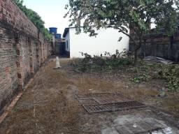 Residência na Zona Sul, prox. R.Geraldo Siqueira  100.000,00