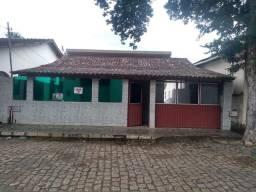 Vendo casa em Itapina com piscina e kitnet
