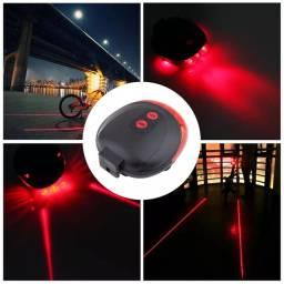 Sinalizador traseiro com laser