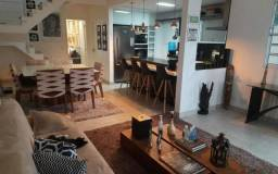 Ótima Casa Duplex 3Qtos (2 suítes, 2 closet) condomínio fechado no Recanto de Itaipuaçu.