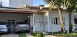 Linda Casa no Condomínio Jardim dos Manacás com 3 suítes, lavanderia, escritório, 2 salas,