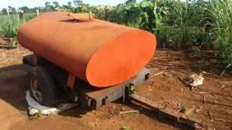 Tanque de água 2 mil litros, com base reforçada.