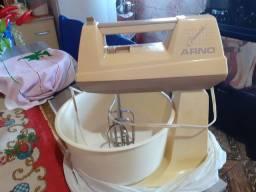Vendo batedeira Arno