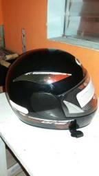 Vendo capacete One novo $70