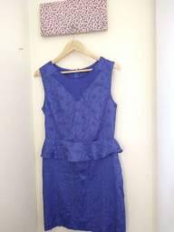 Vestido azul bordado de renda | usado