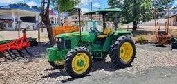 Trator Agrícola John Deere 5303, Turbinado, 4x4, Ano 2009, 3400 horas