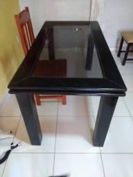 Vendo mesa com tampa de vidro com algumas avarias por R$ 100