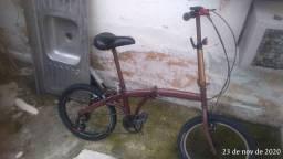 Bike dobrável com capacete