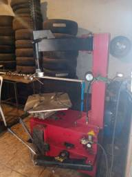 Vendo máquina desmontadora de pneus semi nova
