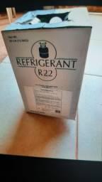 Vendo botija de gás r22 nova na caixa.valor 450 reais