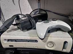 Xbox 360 + controle original e alguns cds