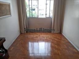 Apartamento, 2 quartos + dep. 1 vaga escritura. Rua Visconde de Itamarati. Financiamos