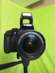 Camera Canon Rebel T6 com lente 18 55mm