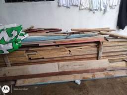 vendo tábuas de madeira