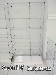 Vitrine em vidro modular (base em MDF)