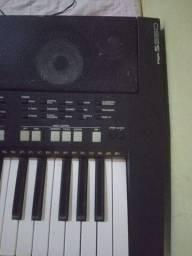 Vendo Yamaha PSRS 550b (leia a descrição)