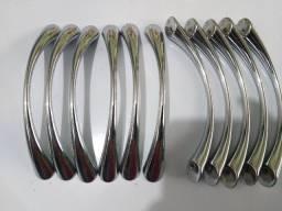 Puxador para Móveis, Armários, Gaveteiros e Cozinhas em Metal / Aço Inox Polido