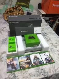 Xbox one x em estado de zero com. Nota fiscal 2 controles e jogos top