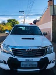 Título do anúncio: Hilux SRV Diesel 4x4 completa!