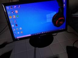 PC top rodando tudo no ultra .