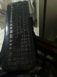 Vendo teclado sem fio Microsoft