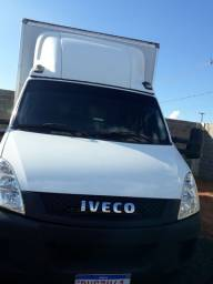Caminhão Iveco Daily70c17