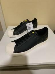 Tênis  adidas superstar pure originals