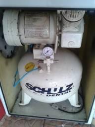 Compressor schulz Isento de Óleo 30 Litros 1HP 220V -