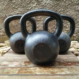 Kettlebells de ferro fundido 24kg e 32kg comprar usado  Londrina