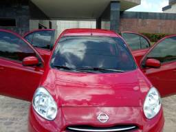 Nissan March 2014 1.0 / Direção elétrica / Airbag / Som - 2014
