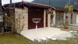 Casa em Ubatuba -SP, Bairro Perequê-Açu, 10 minutos da Praia, 5 minutos do do Centro