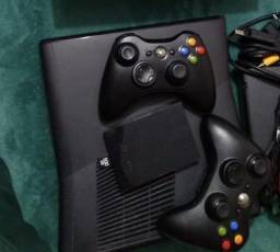 Xbox 360 Destravado + 50 jogos