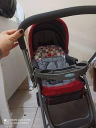 Vendo carrinho de bebê + bebê conforto 500 reais e vendo tambem  o berço  400